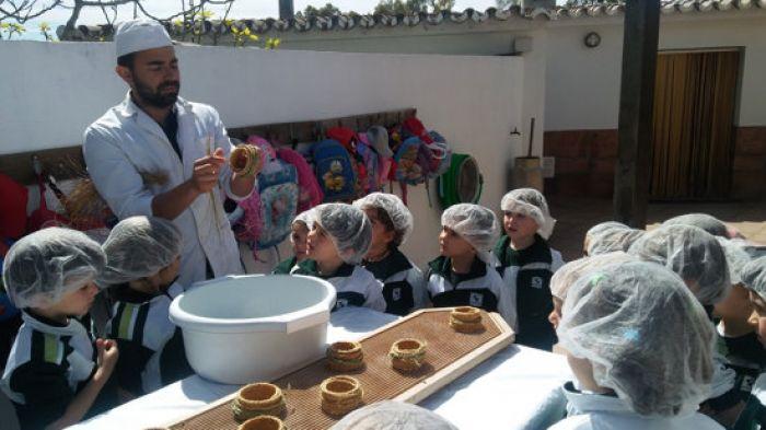 Educación Infantil Visita a la Quesería Sierra Crestellina, en Casares